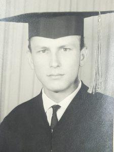 » Roberto Kunzendorff formou na Universidade Luterana do Brasil, de Porto Alegre, em 1966